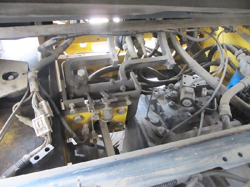 گیربکس لیفتراک 6 تن بنزینی کوماتسو